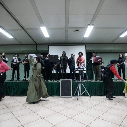 estudiantes-musica-historia-y-general-basica-en-seminario-ed-artistica-1024x682